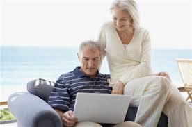 idosos internet na praia