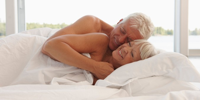 o-SENIOR-SEX-facebook cama
