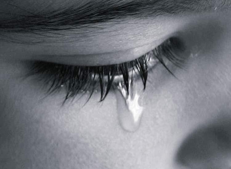 triste-chorando-olho-lagrima_2-11-17